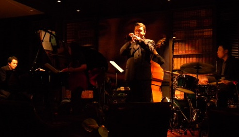 Jazz at Niu's on Silom (photo credit: restaurantdiningcritiques.com)