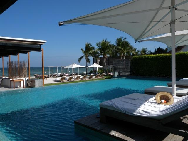 Ocean Pool at Putahracsa, Hua Hin (photo credit:restaurantdiningcritiques.com)