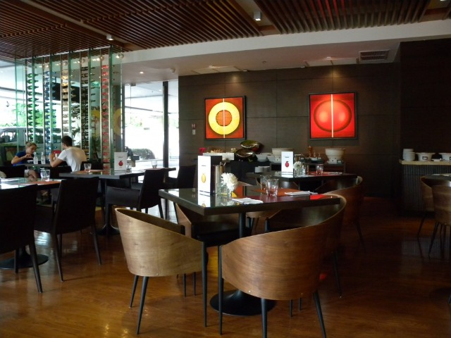 MoMo Cafe Marriot